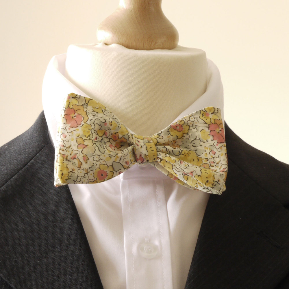Liberty tana lawn bow tie - Claire Aude yellow - floral bow tie