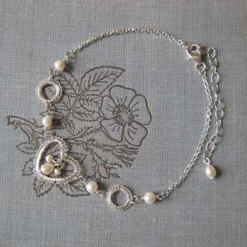 Petite Heart Bracelet in Silver with Pearls