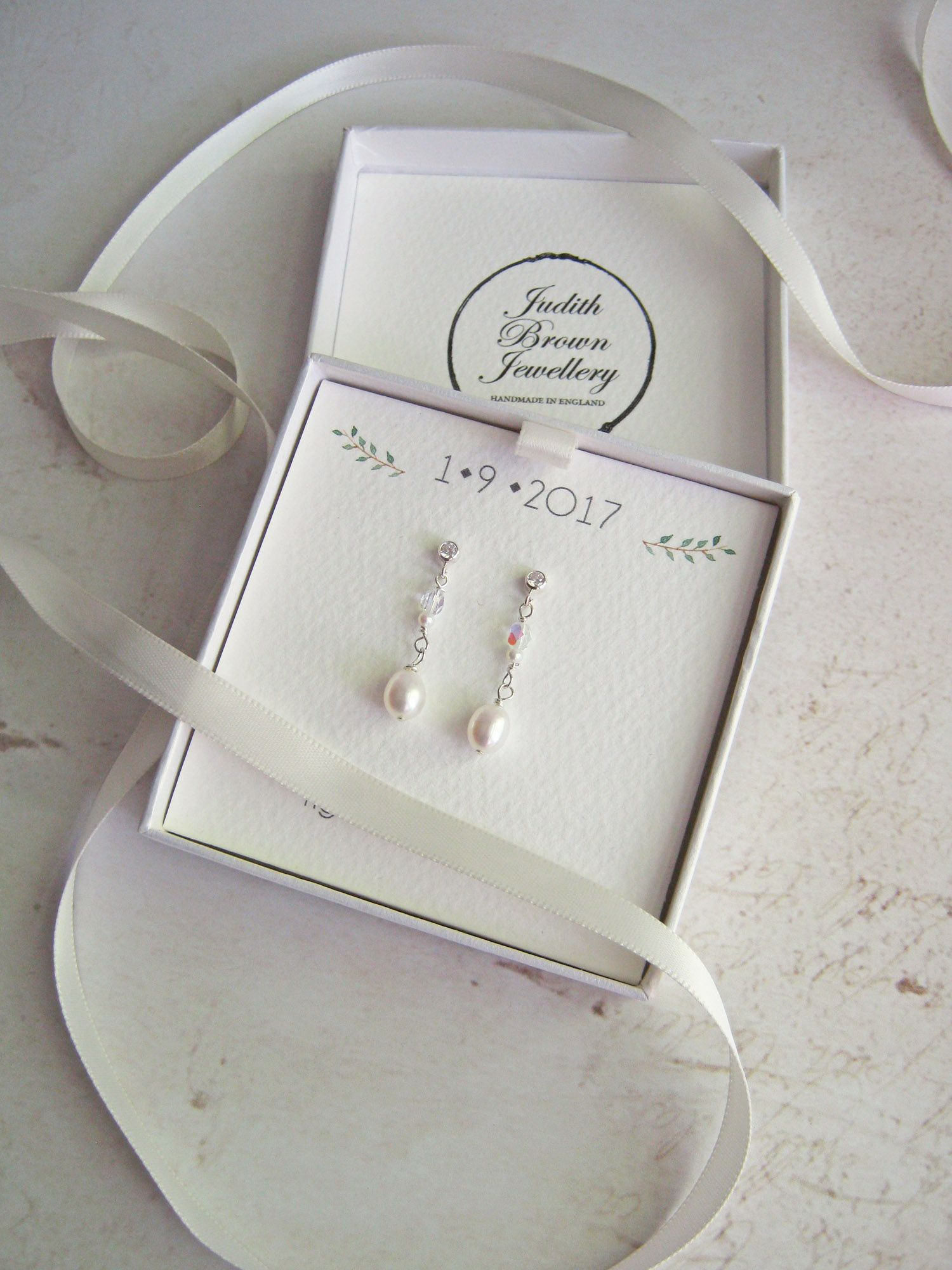 Bespoke jewellery boxes with wedding date