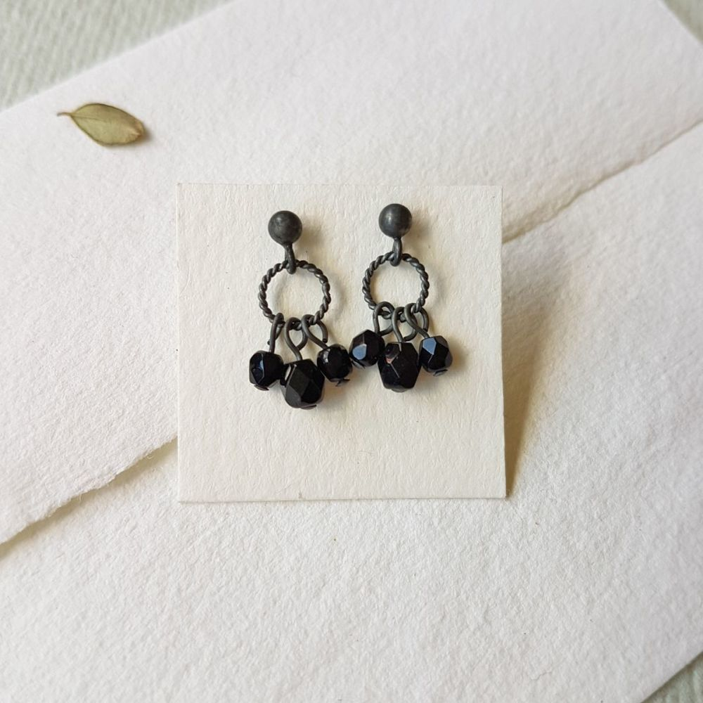 Charm studs in silver - Black
