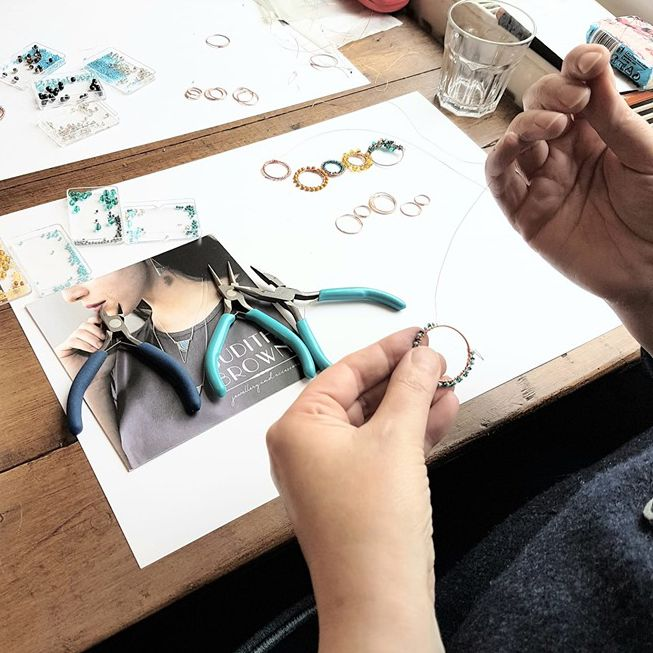 Making jewellery on a workshop