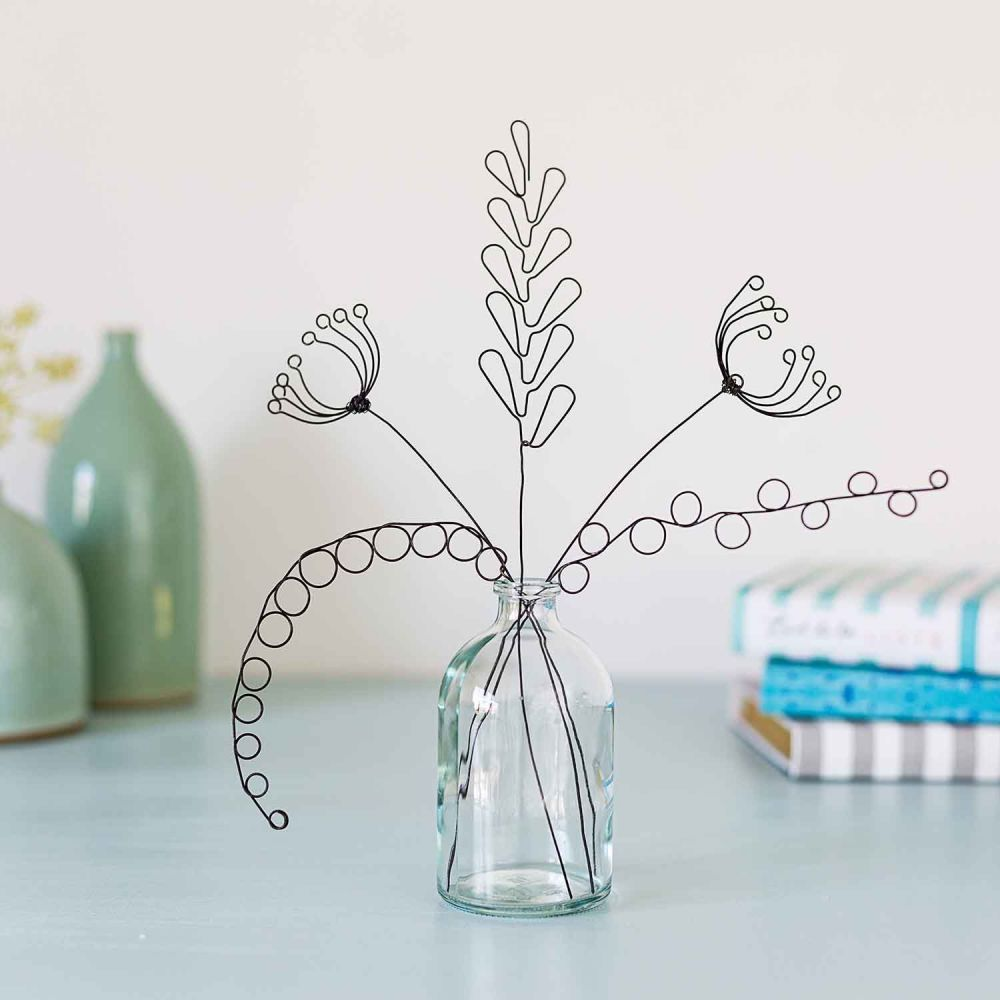 <!-- 005 -->Small Hedgerow Stems