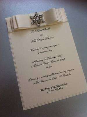 Luxury Boxed Vintage Flower Diamante Invitation
