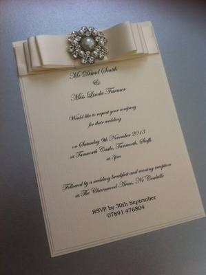 Luxury Boxed Pearl & Diamante Invitation