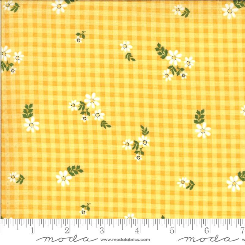 Moda - Homestead - Housecoat - 24094 13 (Sunshine)