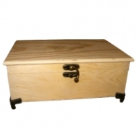 Chest w/brass feet 230x1 50x100mm