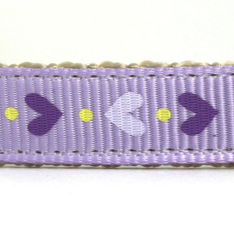 Tiny hearts purple closeup