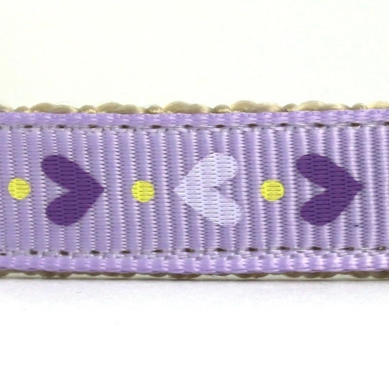 Tiny hearts purple closeup