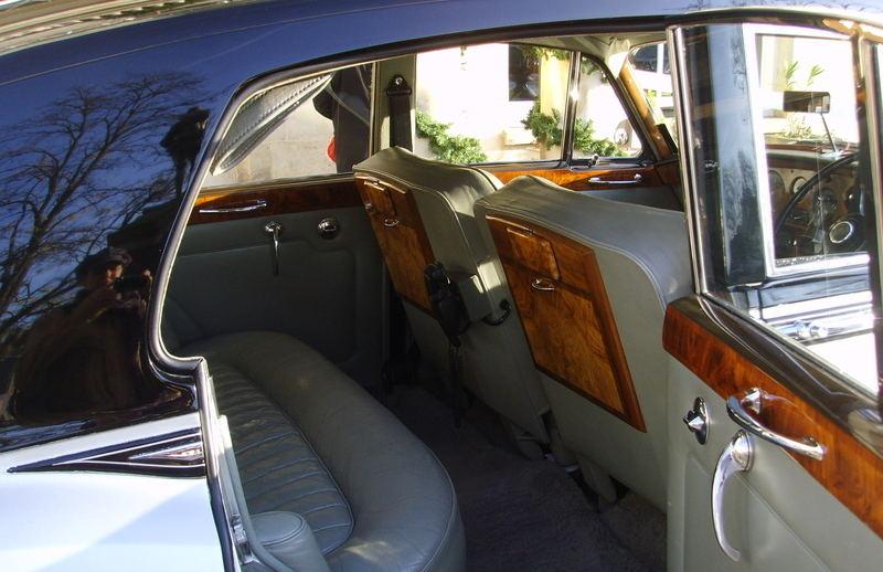 Wedding cars Bentley inside