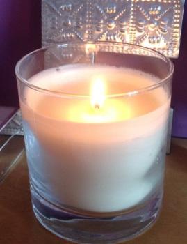 festive & seasonal candles