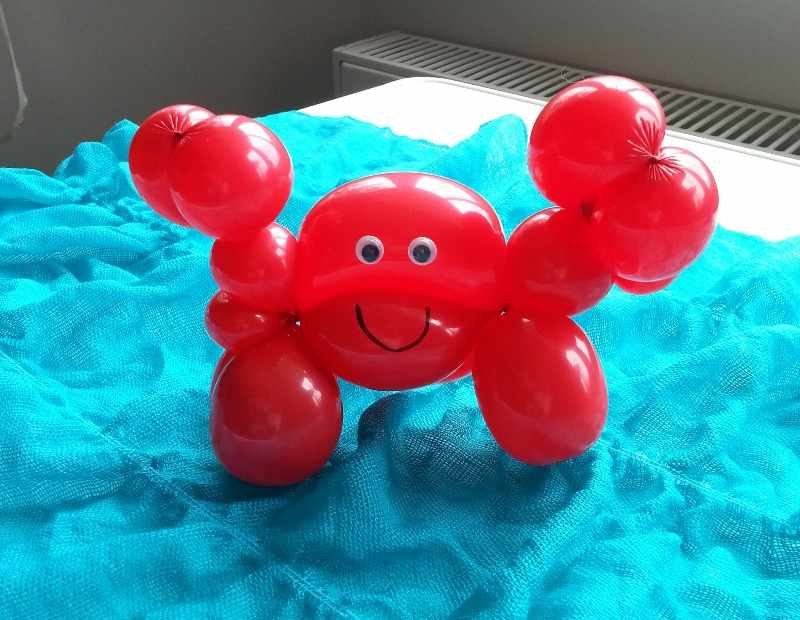 balloon red crab