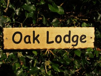 AA126 Rustic Personalised Engraved Oak scalloped edge sign