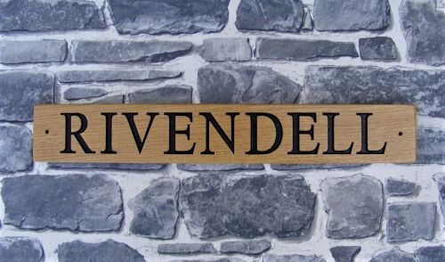 AA140 Personalised Wooden House Name/Gate Sign