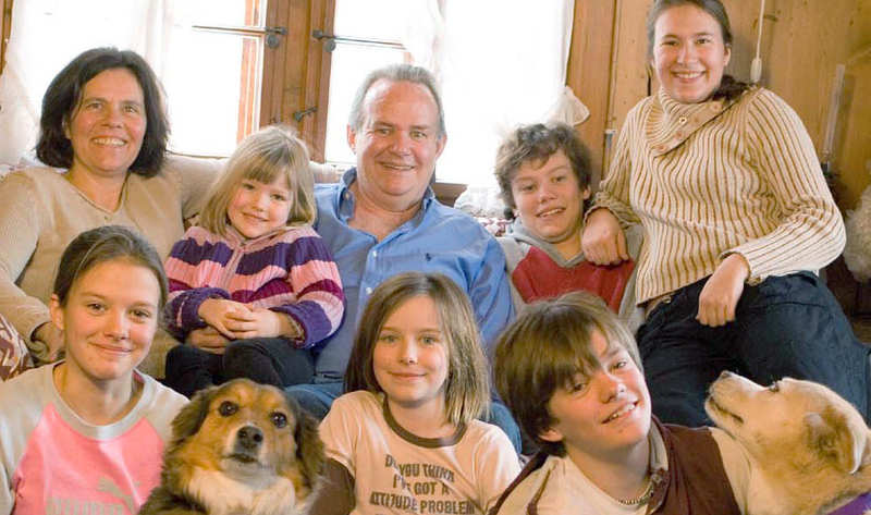 MacKenzie Family - Nicole & Mick & their 6 children