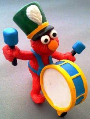 Sesame Street - Elmo With Drum PVC Figure