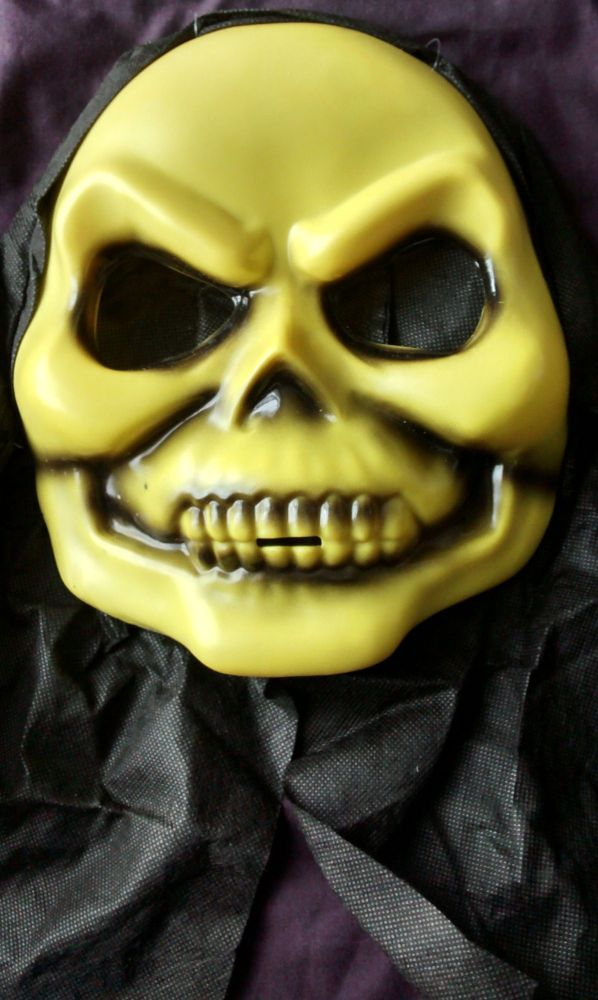 - Masters Of The Universe - Skeletor Style Mask With Black Hood - NEW