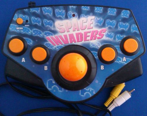 Space Invaders Plug & Play - Includes 5 Games - Radica - 2003