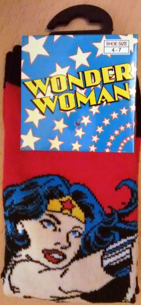 Wonder Woman Ladies Socks - Red With Picture - NEW