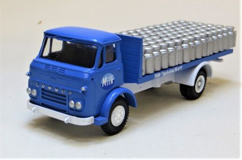 PRO 343: COMMER MAXILOAD MILK MARKETING BOARD MILK LORRY WITH CHURNS.