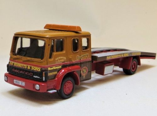PRO 352: BEDFORD TL BREAKDOWN RECOVERY VEHICLE, RAY HERRITT & SONS LIVERY.
