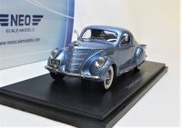 1937 LINCOLN ZEPHYR COUPE, PALE METALLIC BLUE. SCALE: 1 43.