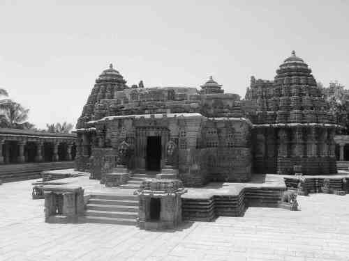 Somnathpur b and w