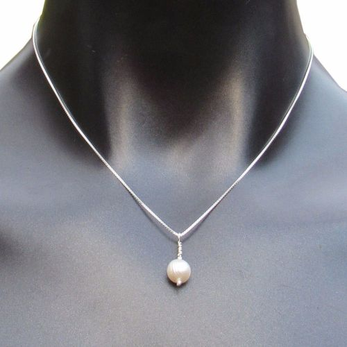 Simple Pearl Necklace - CCN2