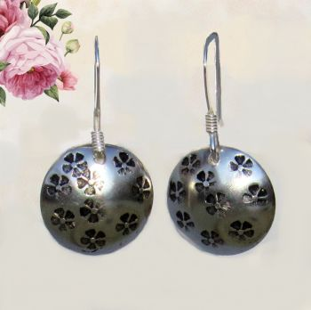 Mini Flowers Circle Earrings - GCE26