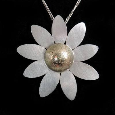 Gold Daisy Pendant