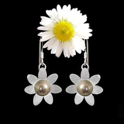 Gold Daisy Earrings
