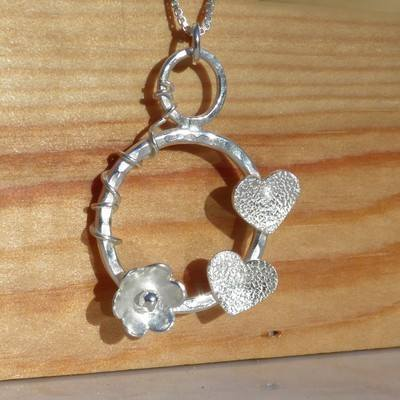 Hearts and Flower Hoop Vine Pendant - JTAP17