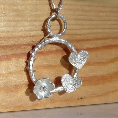 Hearts and Flower Hoop Vine Pendant - JTAP17