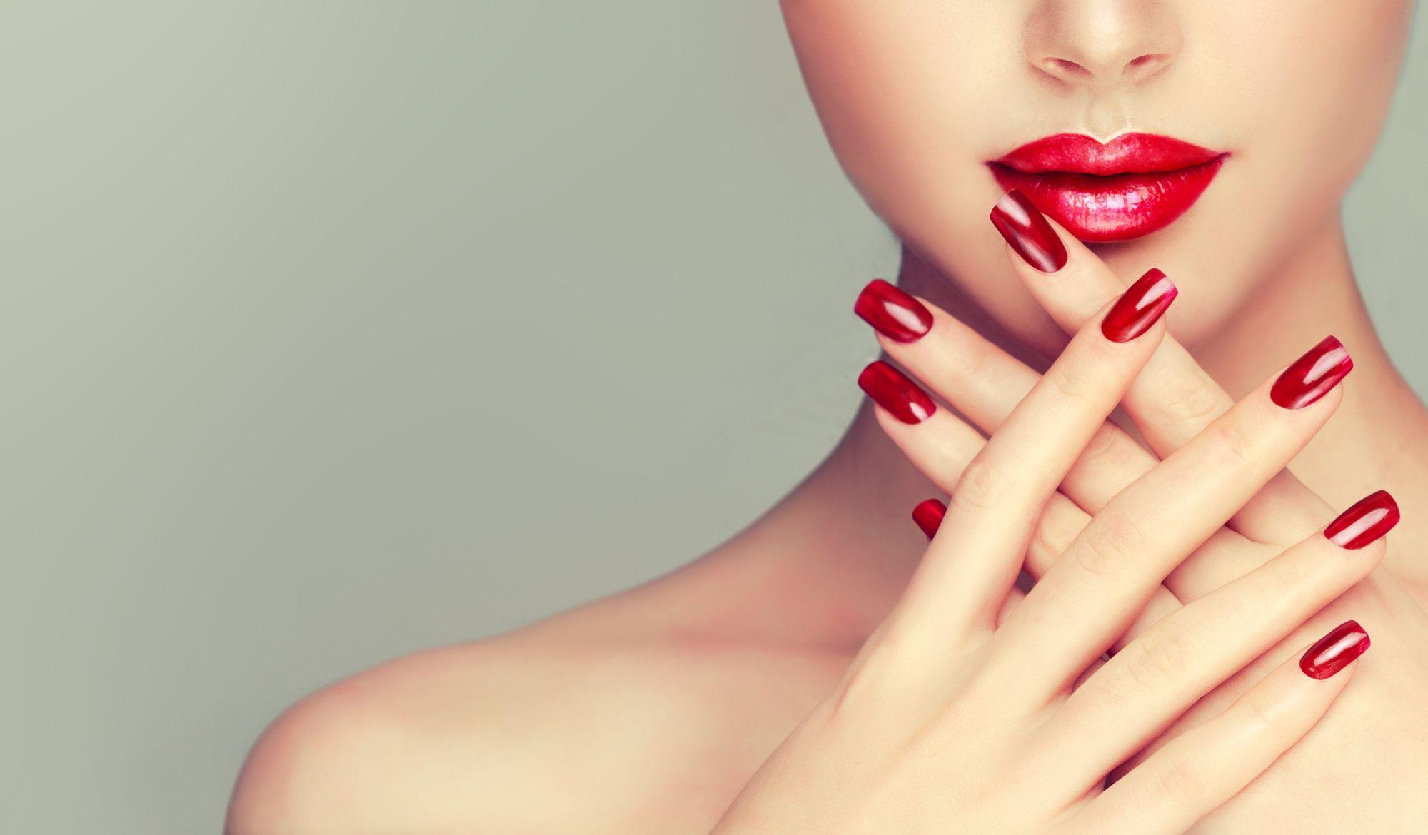 THE VANITY CASE - Polygel Nail Extensions