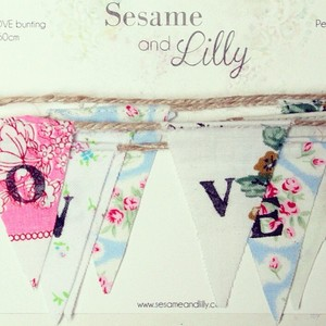 sesame and lily bunting