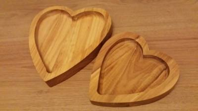 Nesting Heart Dishes Set of 2