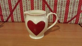 Hearts Small Jug Jan Constantine