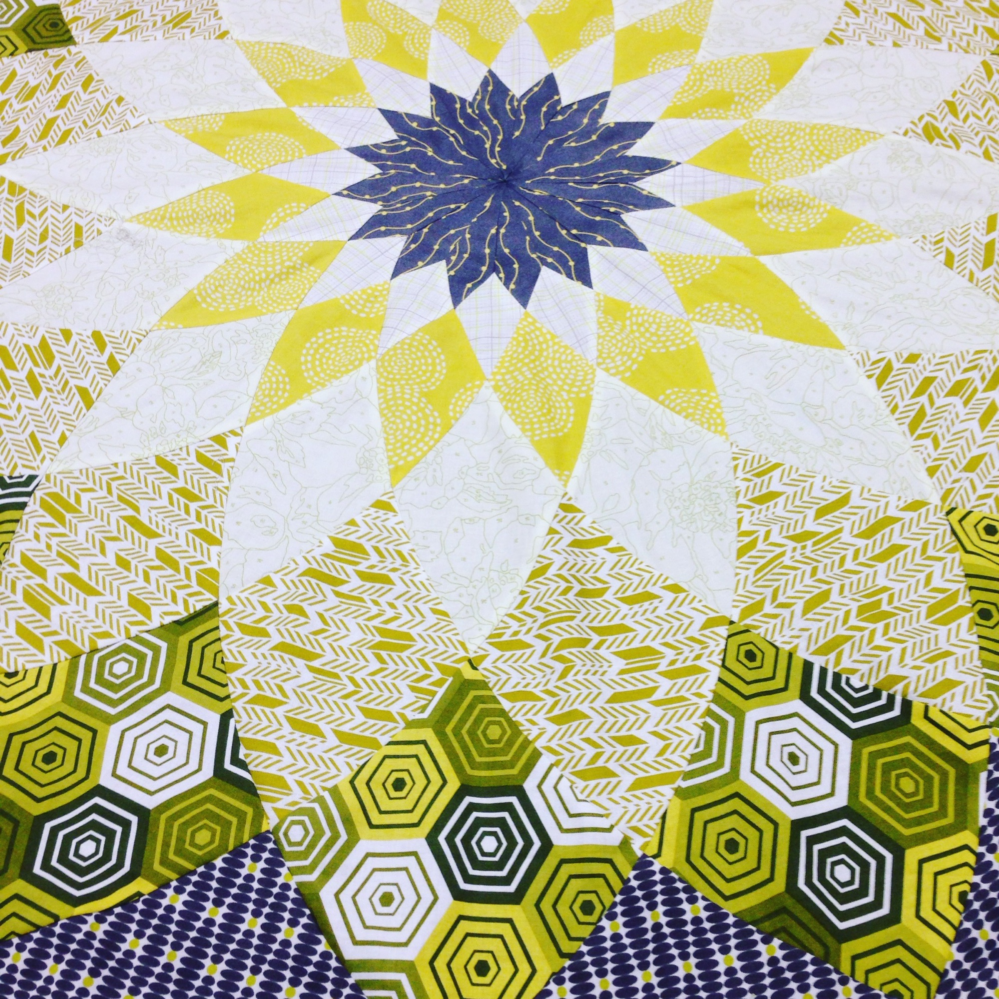 Giant Dahlia Quilt by Tracey Pereira