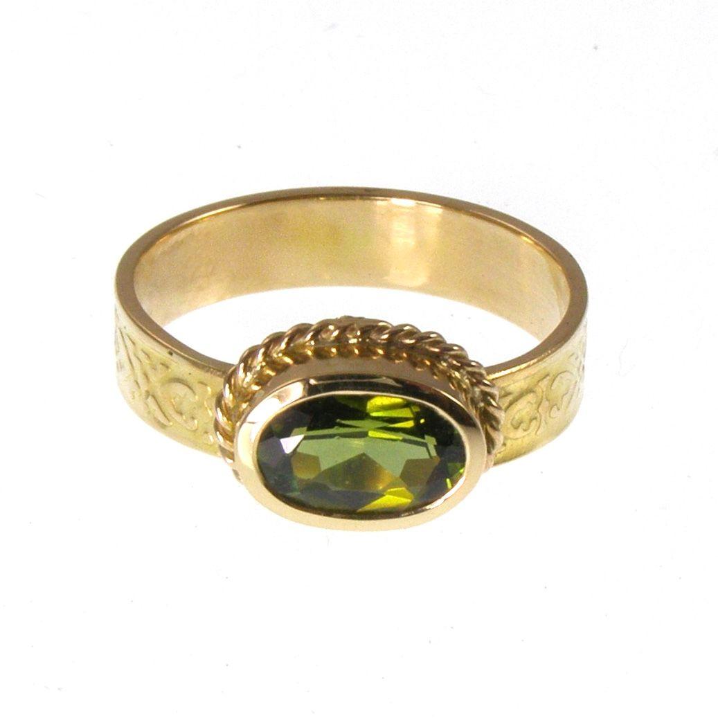 Green tourmaline textured ring