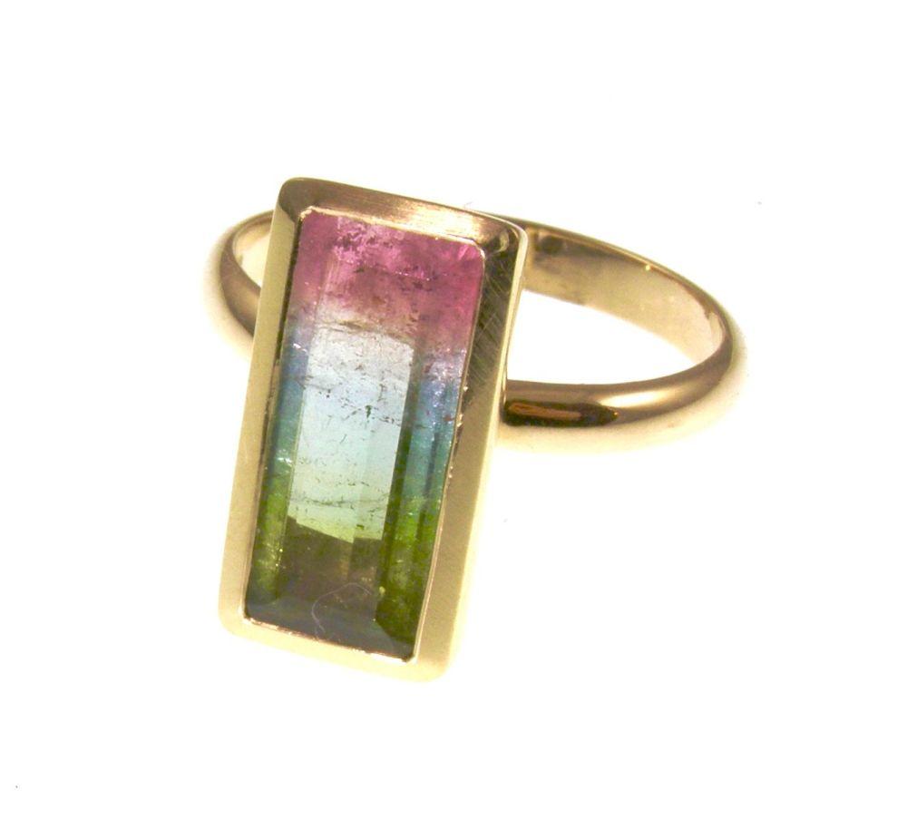 18 carat gold Multicoloured tourmaline  ring