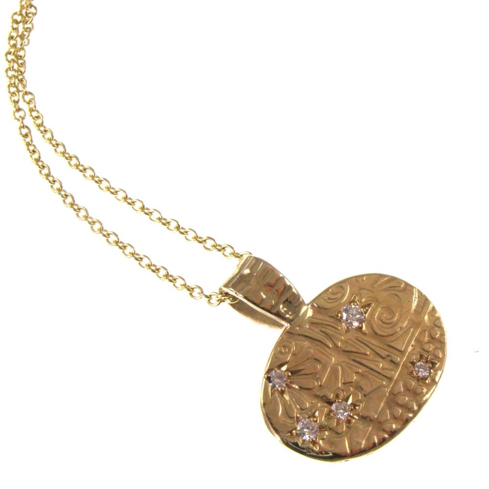 Diamond set 9 carat gold pendant