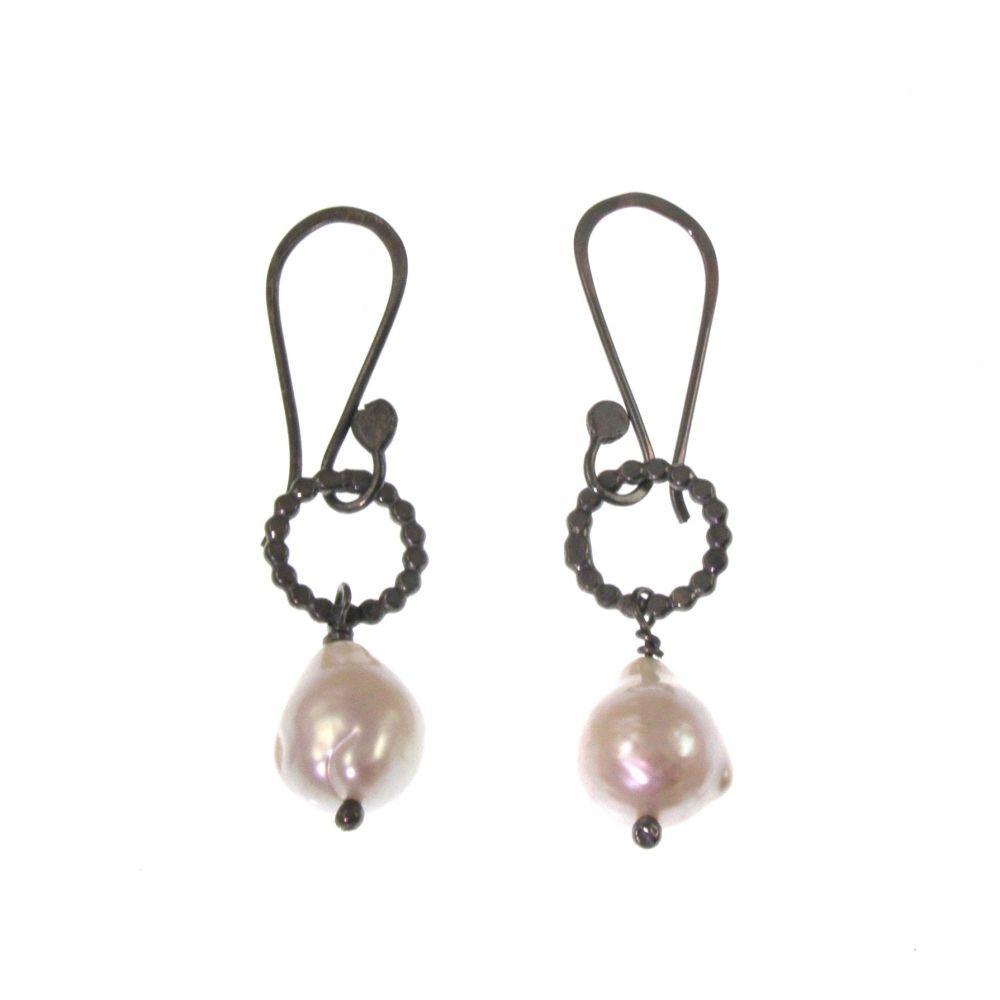 Oxidised pearl drops