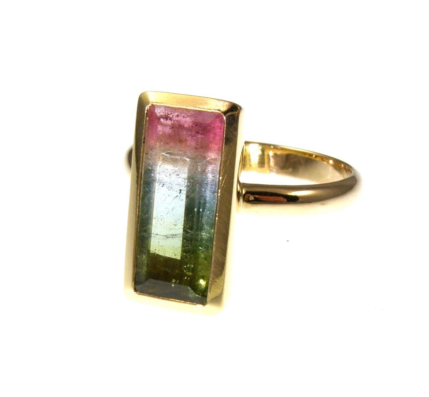 18 carat gold Bi colour tourmaline ring