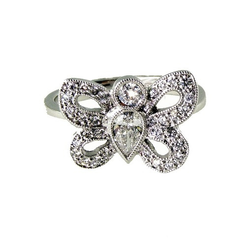 diamond butterfly ring 18 carat