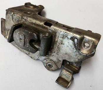 Used Cab Door Lock Mechanism, Left 69-73. 211-837-015G