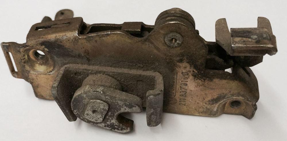 Door Lock Mechanism 68-72 - Right