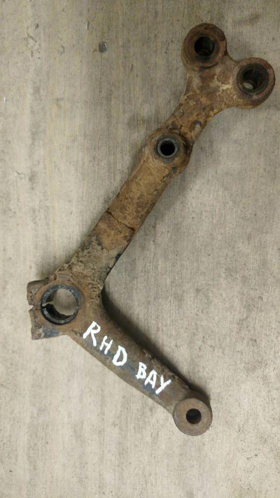 RHD Idler Arm 68-79. 214-415-741C