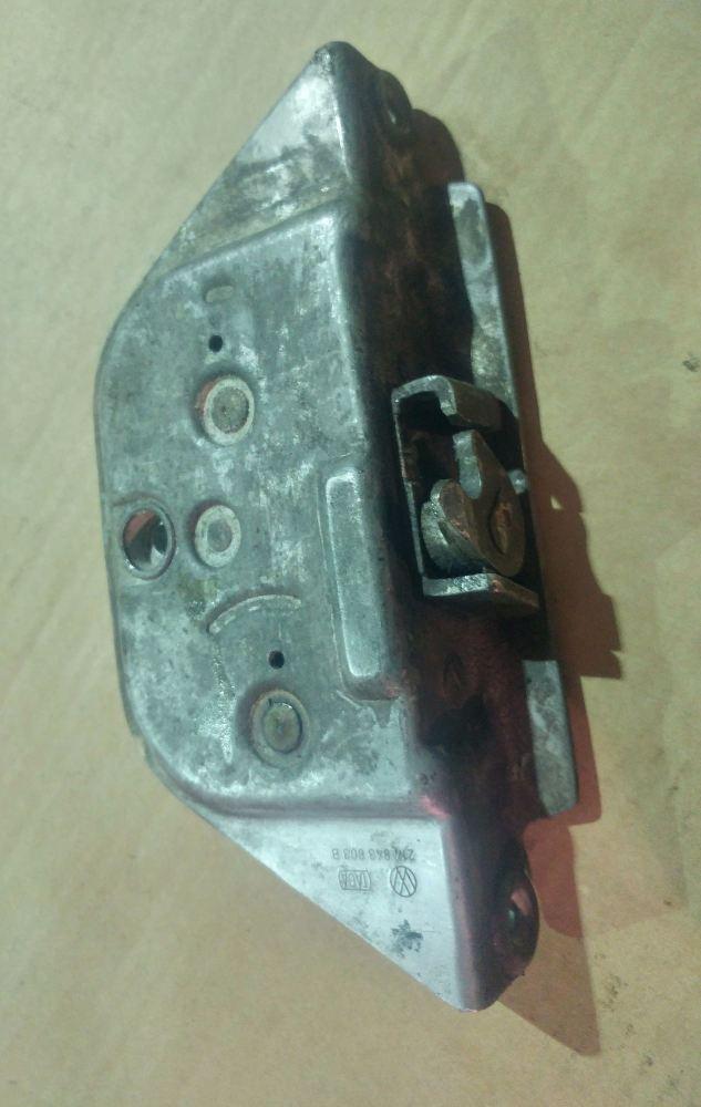 Used Sliding Door Central Lock 74-75 RHD. 214-843-603B