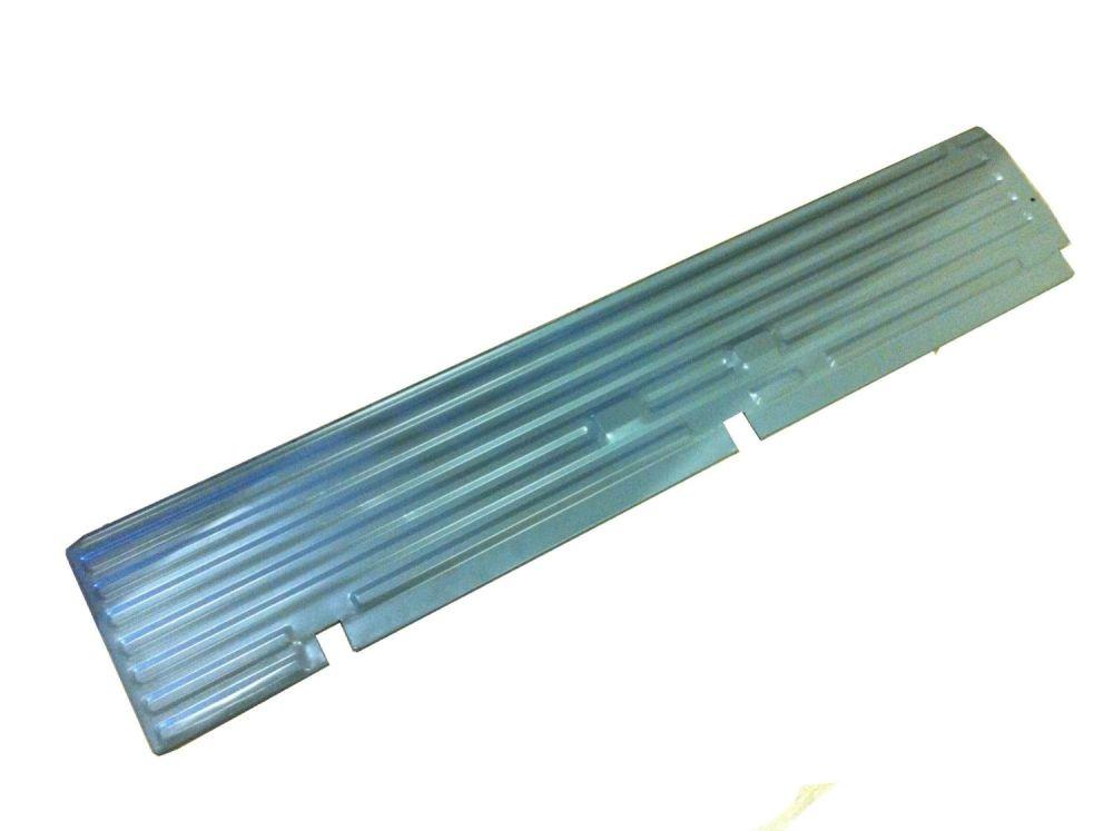 Cargo Floor Edge, Non-Cargo Door Side. 55-67 211-801-403EX