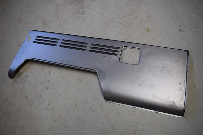 Rear Side Panel, Double Cab 68-70, Right.   265-809-044