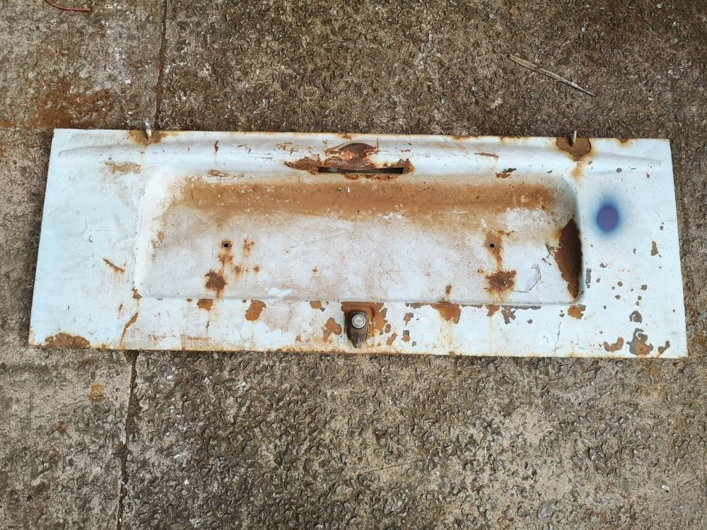 Used Engine Lid 76-79.  Nice